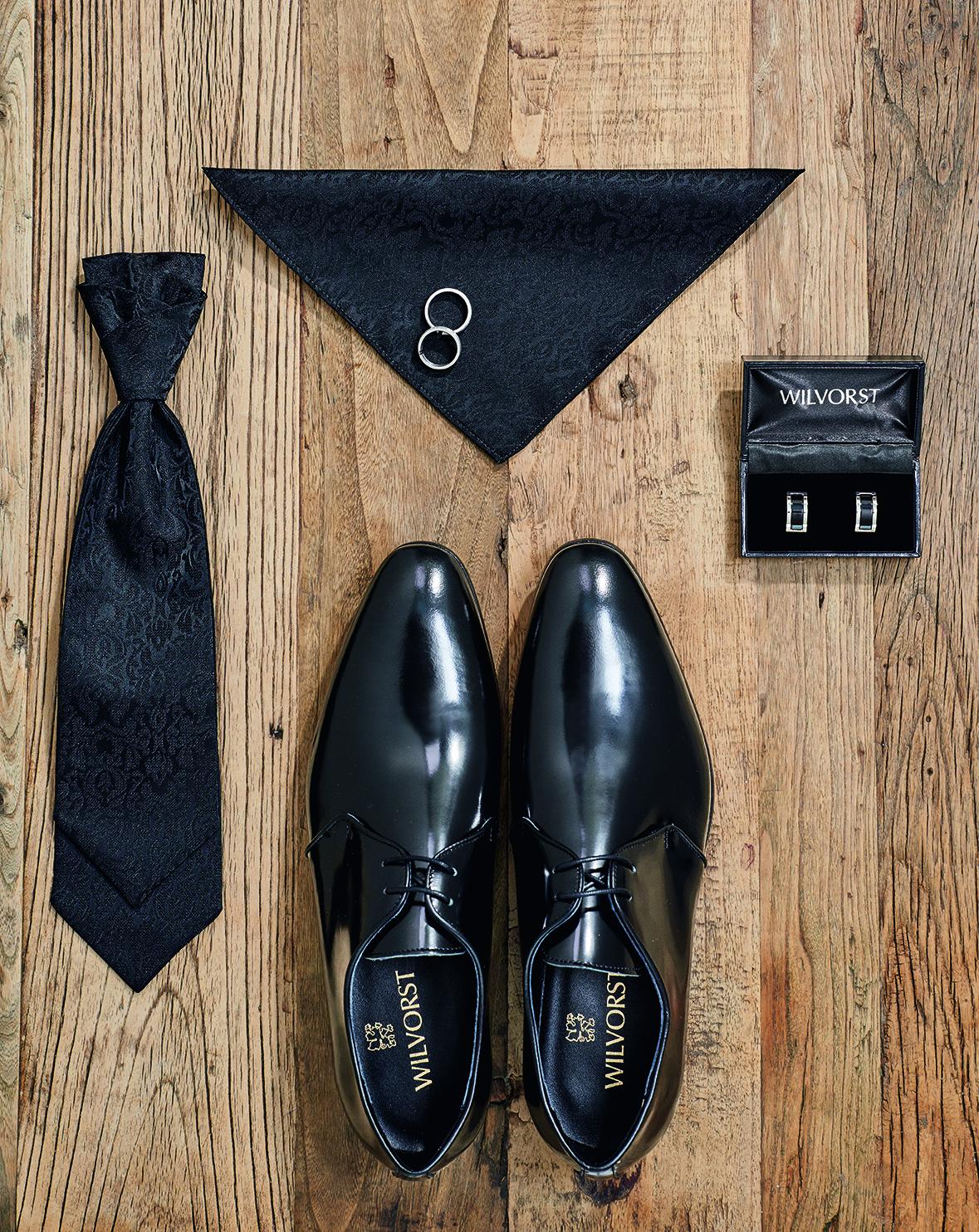 Wilvorst Schuhe Männer Mode Hochzeit Bräutigam Herren Accessoires Jabot schwarz Einstecktuch schwarz Manschettenknöpfe