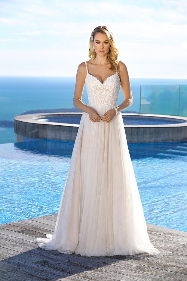 Brautkleider Hochzeitskleider Ladybird Empire Stil Style Form lang schlicht Spitzenoberteil mit schmalen Trägern mit Schleppe