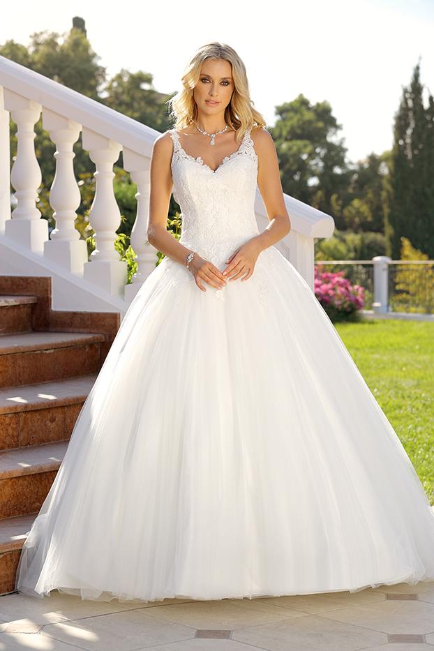 Brautkleider Hochzeitskleider Ladybird aufwendiger Prinzessinnenstil Stil Style Form V-Ausschnitt Spitze Strass Glitzer lange Schleppe sehr weiter Tüll Rock