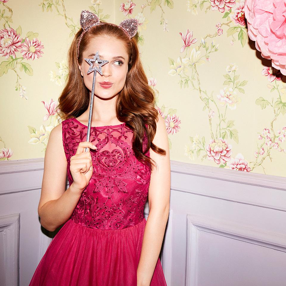 Abiball Abendkleider Ballkleider lang schön ausgefallen jung V Ausschnitt pretty pink glitzer kurzer Tüllrock