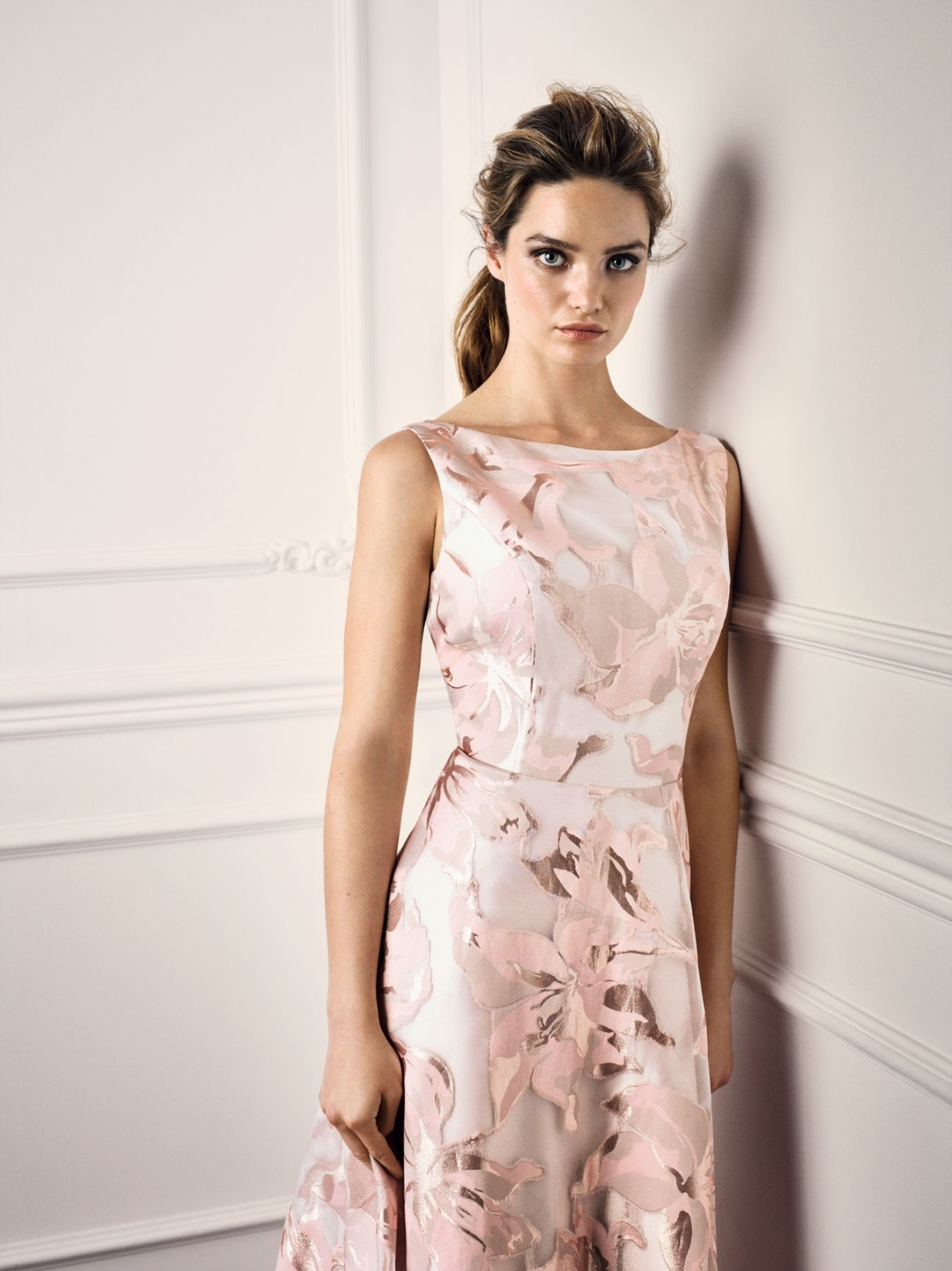 Vera Mont Kleid Anlass Mode Hochzeit Festmode Damen für Eltern rose mit Blumendruck Abendkleid festlich kurz