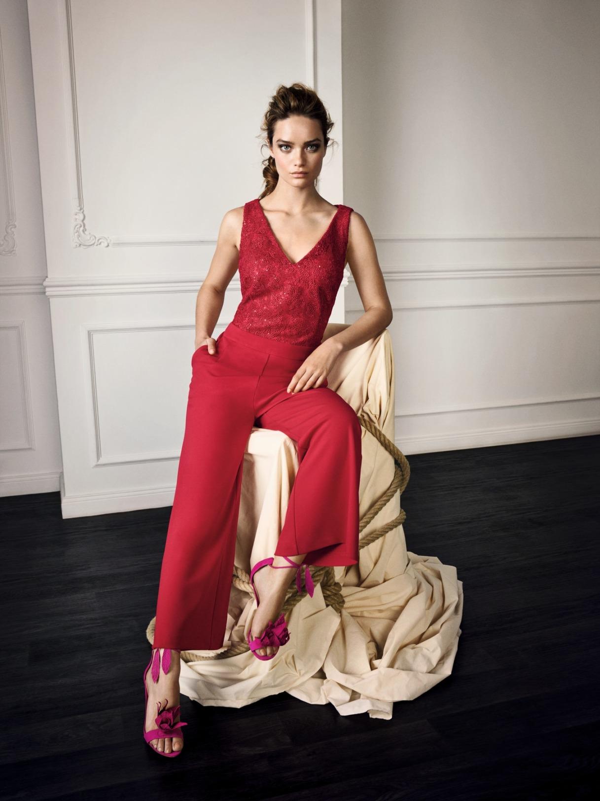 Vera Mont Hosenanzug Jumpsuit Anlass Konfirmation Mode Hochzeit Festmode Damen für Eltern mit V-Ausschnitt rot