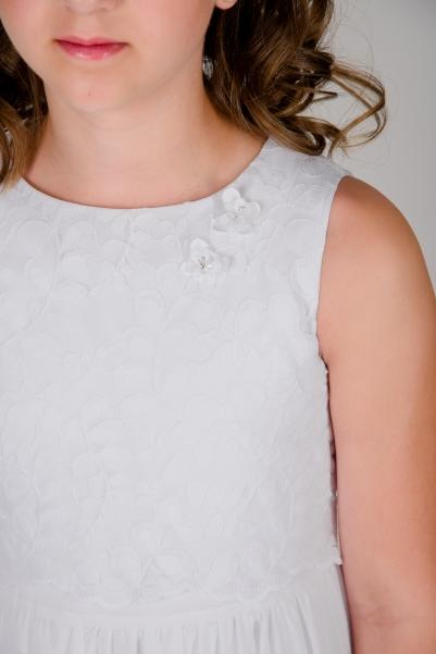 Weise Kinder Kommunion Mode Kleid Mädchen weiß aus Chiffon leichte Stickerei am Oberteil ohne Ärmel mit Blüten Applikation Nahaufnahme