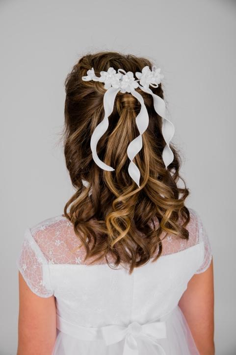 Weise Kinder Kommunion Mode Kränzchen Haarschmuck Mädchen weiß Blüten und kurze Bänder gedreht mit Kämmchen