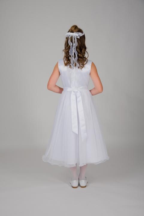 Weise Kinder Kommunion Mode Kleid Mädchen weiß ohne Ärmel Organza Rock mit Taillengürtel siebenachtel Länge Rückenansicht Kopfschmuck Haarkranz mit gedrehten Bändern weiß