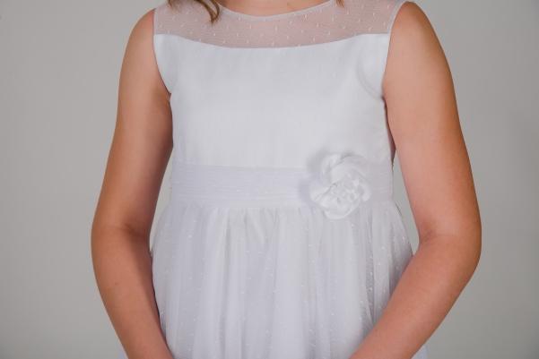 Weise Kinder Kommunion Mode Kleid Mädchen weiß Nahaufnahme Tüllrock mit Organza Taillengürtel mit Blume