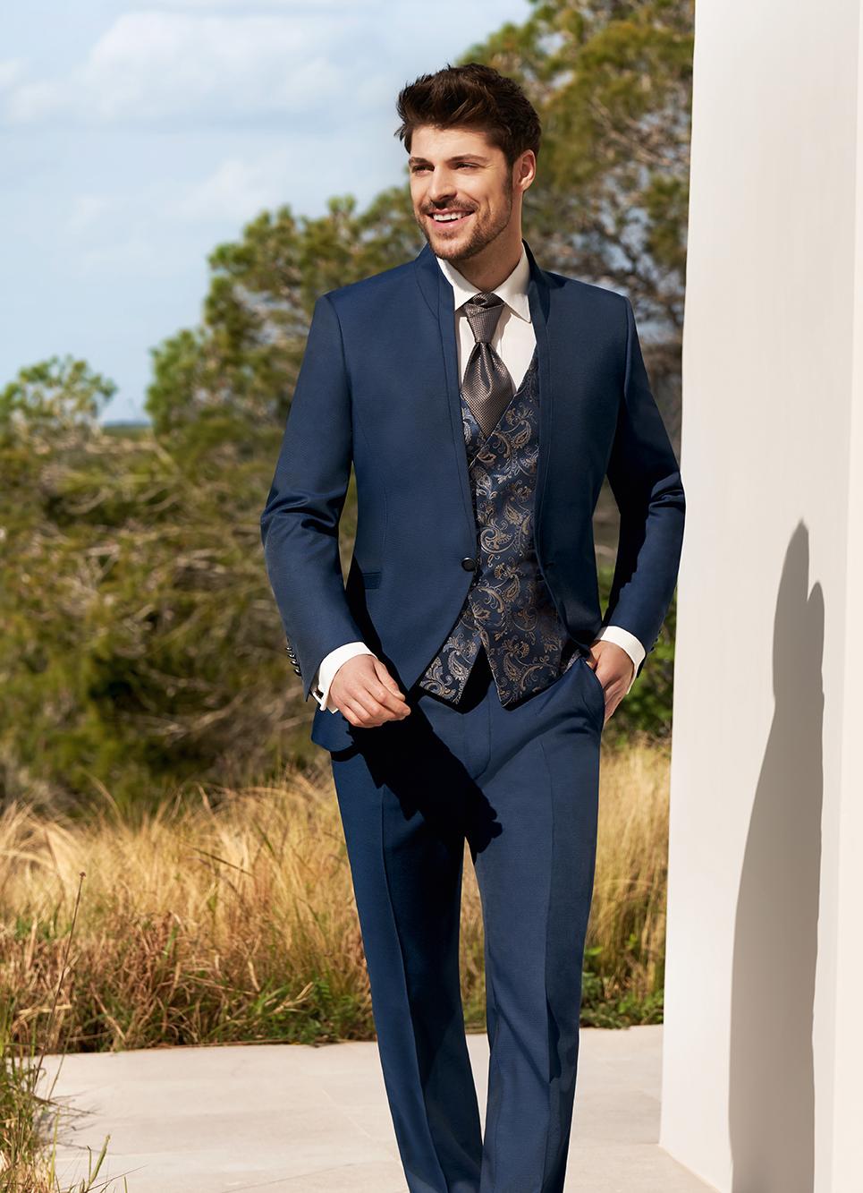 Wilvorst After Six Hochzeitsanzug Männer Mode Bräutigam klassische Form tailliert grau blau blau gemusterte Weste blau kupfer Einknopf Stehkragen Jabot