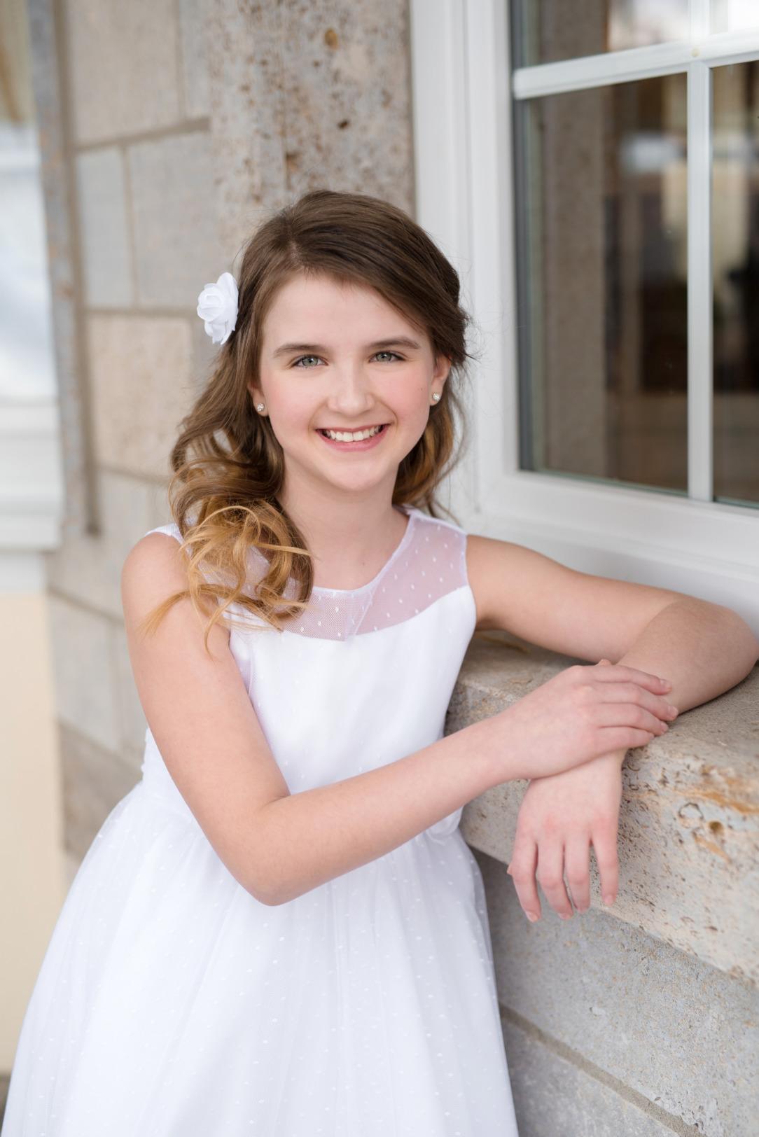 Weise Kinder Kommunion Mode Kleid Mädchen weiß Tüll mit Pünktchen ohne Ärmel