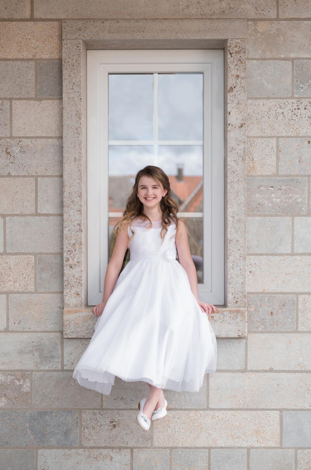 Weise Kinder Kommunion Mode Kleid Mädchen weiß Prinzessin Stil Organza weiter Rock siebenachtel Länge ohne Ärmel mit Blume