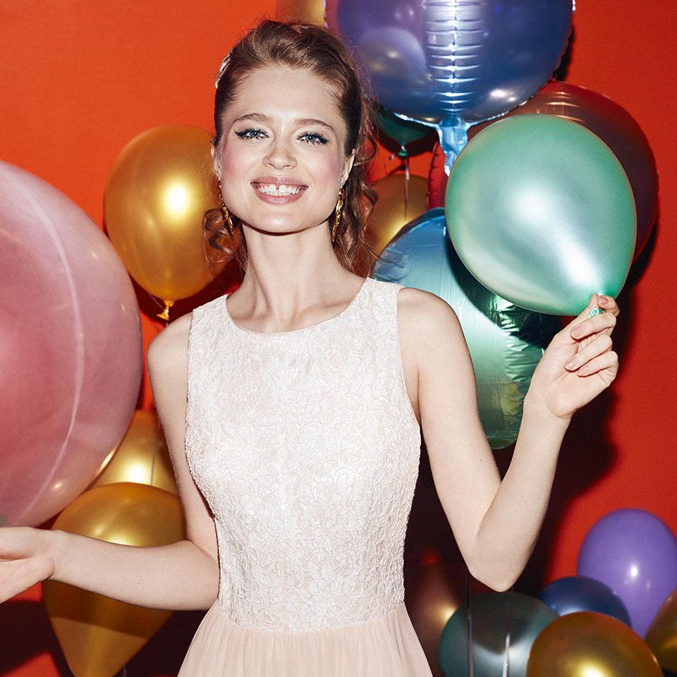Abiball Konfirmation Abendkleider Ballkleider schön ausgefallen jung kurz Rock nude rose Spitze