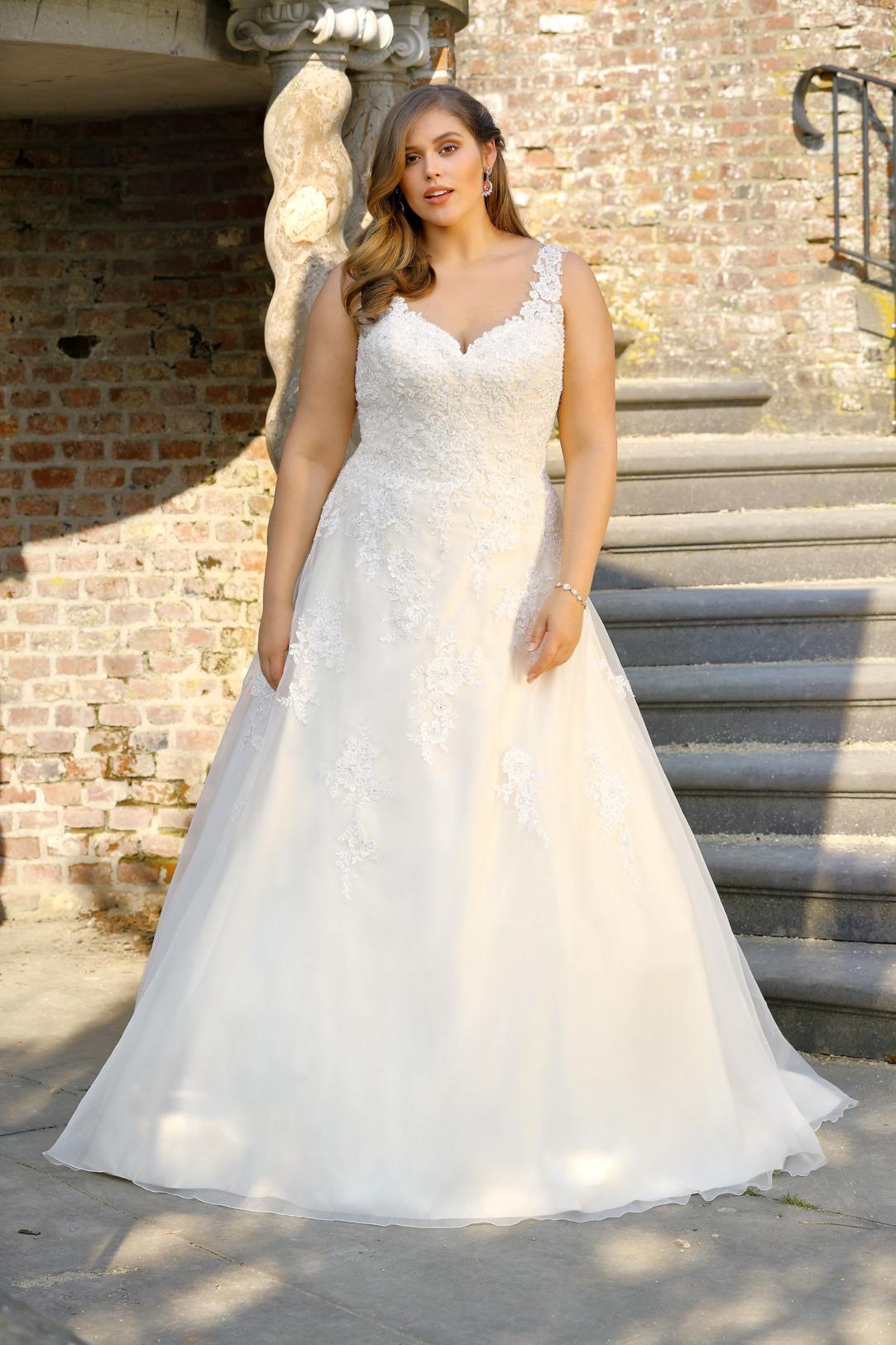 Brautkleider Hochzeitskleider Mode A Linie mit V Ausschnitt Ladybird grosse Grösse plus size Tatoo Spitze Rock mit Schleppe