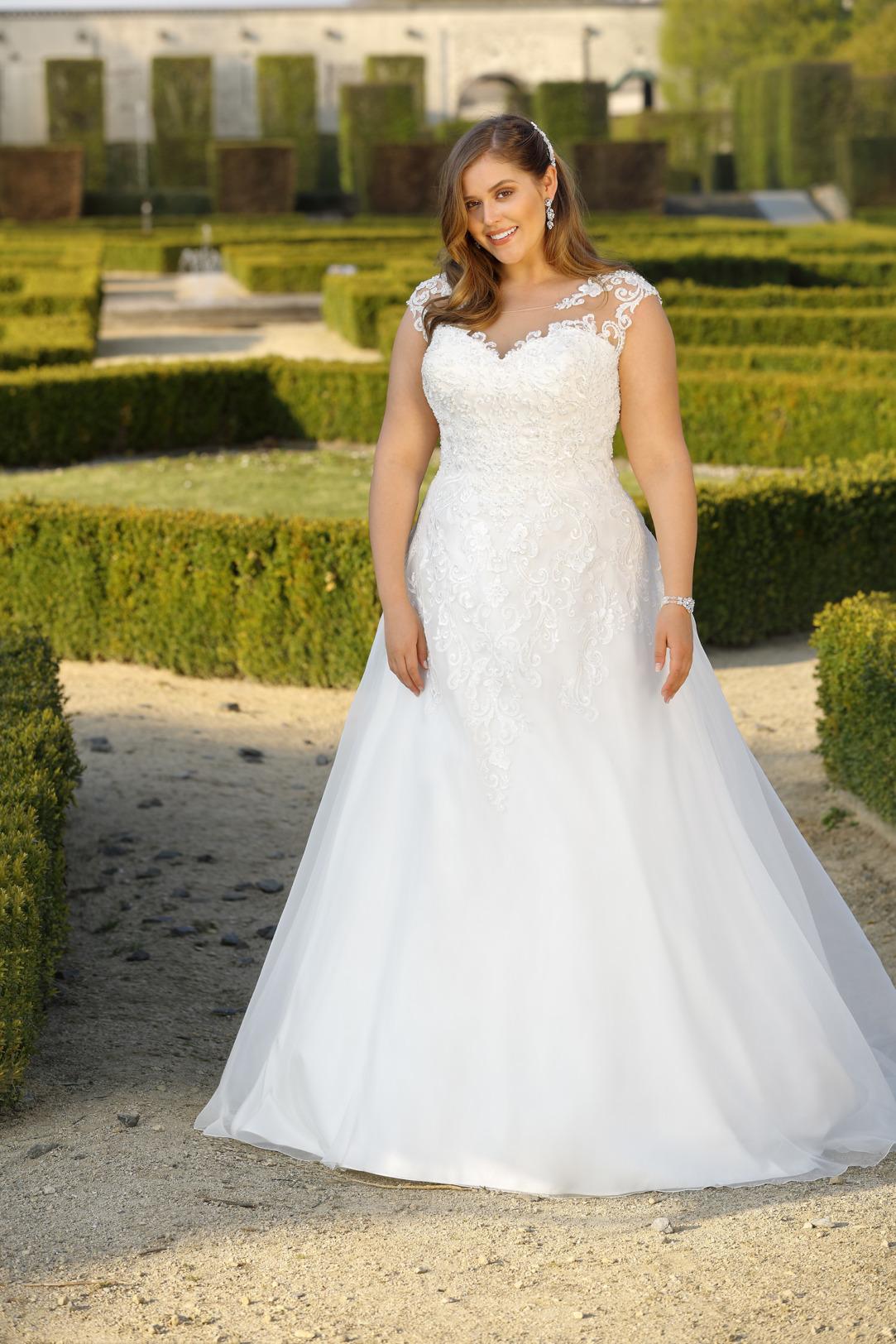 Brautkleider Hochzeitskleider Mode Meerjungfrau Stil Ladybird grosse Grösse plus size Tatoo Spitze Rock mit Schleppe fit and flare