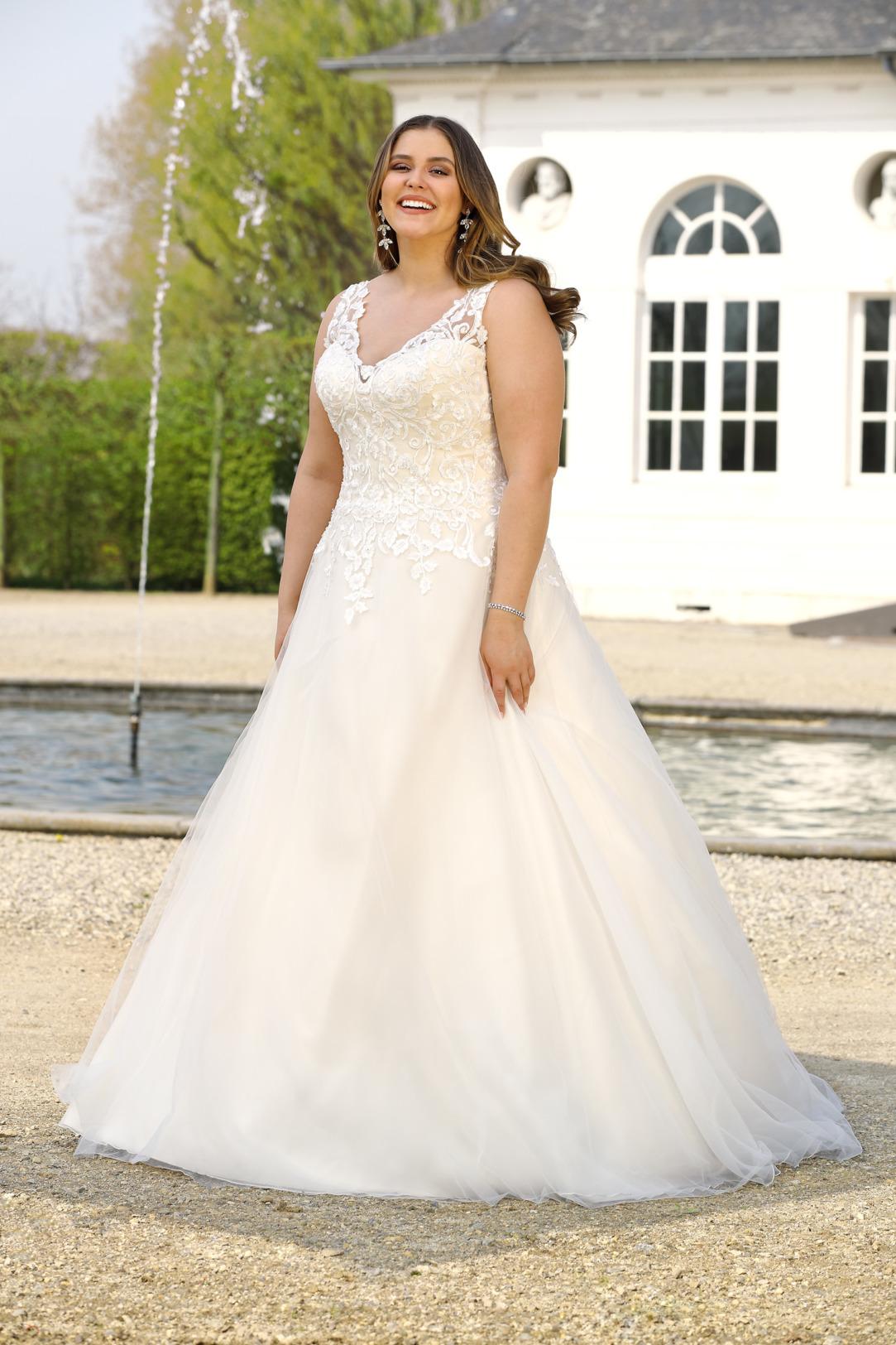 Brautkleider Hochzeitskleider Mode A Linie Ladybird mit V-Ausschnitt Spitze ohne Ärmel grosse Grösse plus size Tatoo Spitze Organza Rock mit Schleppe Breite Träger