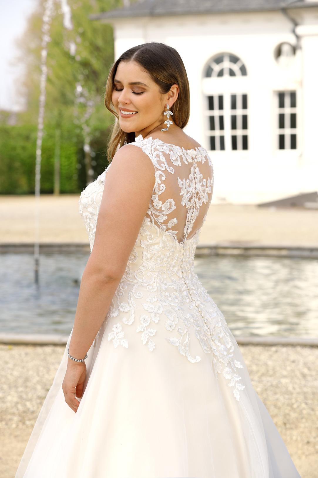 Brautkleider Hochzeitskleider Mode A Linie Ladybird mit V-Ausschnitt Spitze ohne Ärmel grosse Grösse plus size Tatoo Spitze Organza Rock