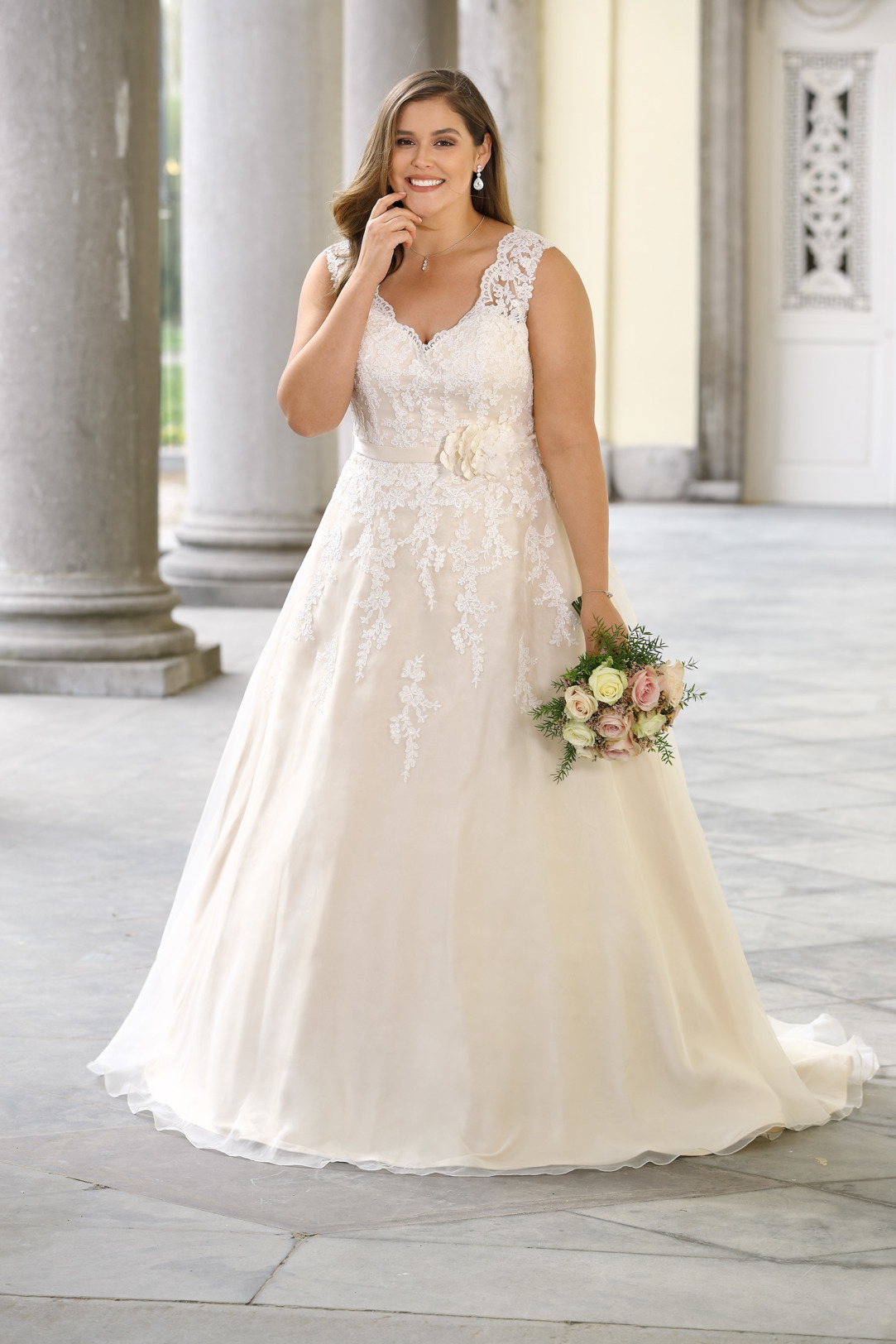 Brautkleider Hochzeitskleider Mode A Linie Ladybird mit V-Ausschnitt Spitze ohne Ärmel grosse Grösse plus size