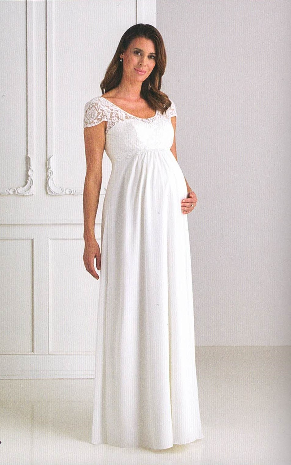 Umstands-Brautkleider. Hochzeitskleider & Brautmode für Schwangere langes Kleid mit Spitze und kleiner Ärmel runder Ausschnitt