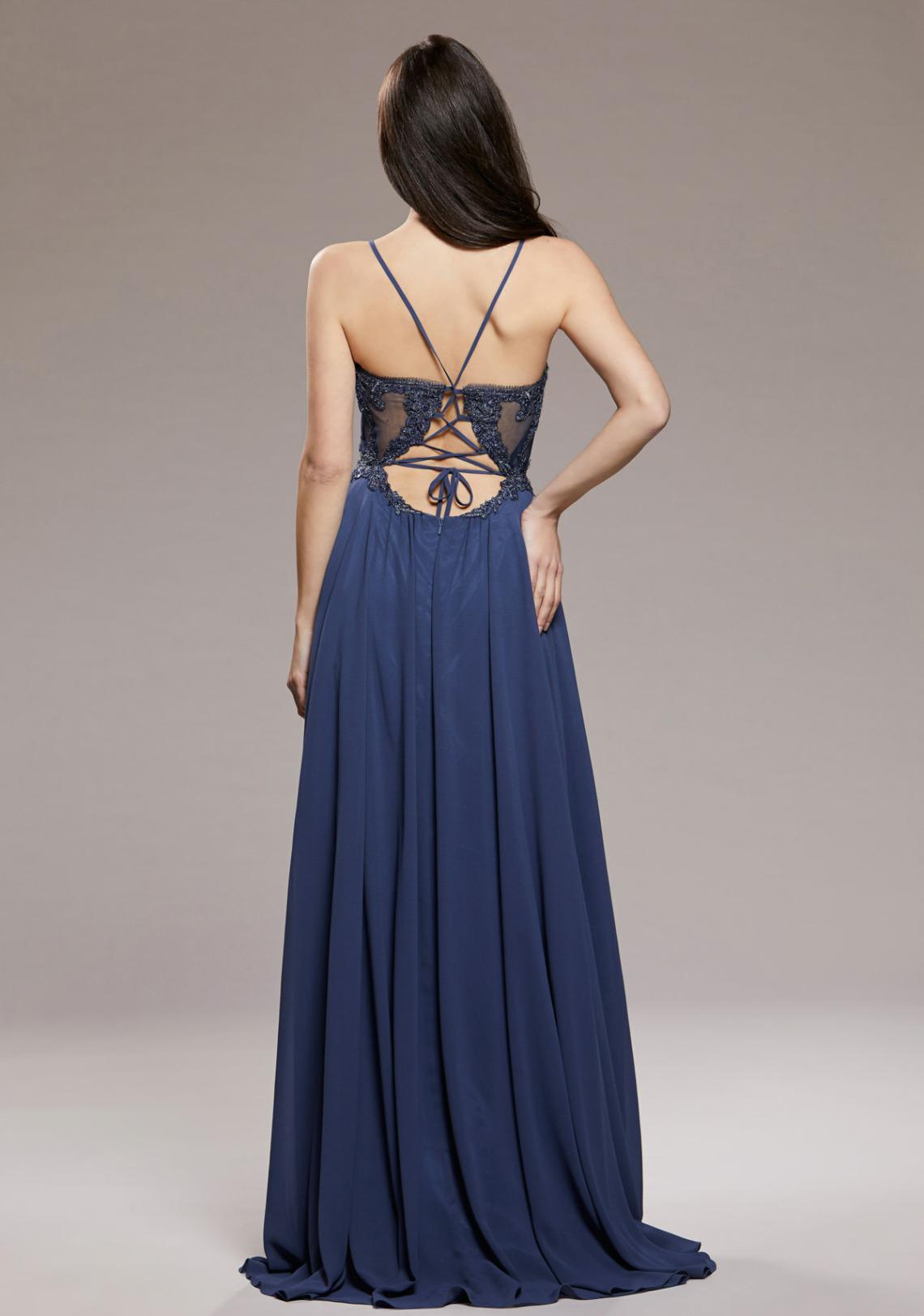 Blaues langes Abiballkleid mit V-Ausschnitt und sexy Rückenansicht. Ein Traum in A-Linie mit schmalen TrägernBallkleider lang schön ausgefallen V Ausschnitt