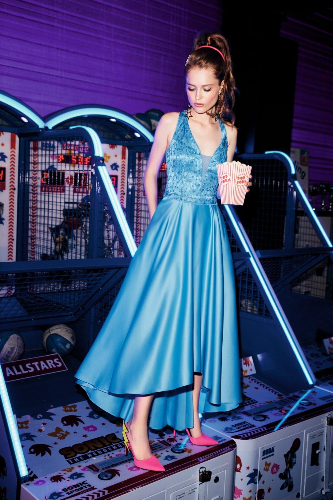 Abiball Kleid lang von VM-by-Vera-M in einem wunderschönen BlautonVM-by-Vera-M