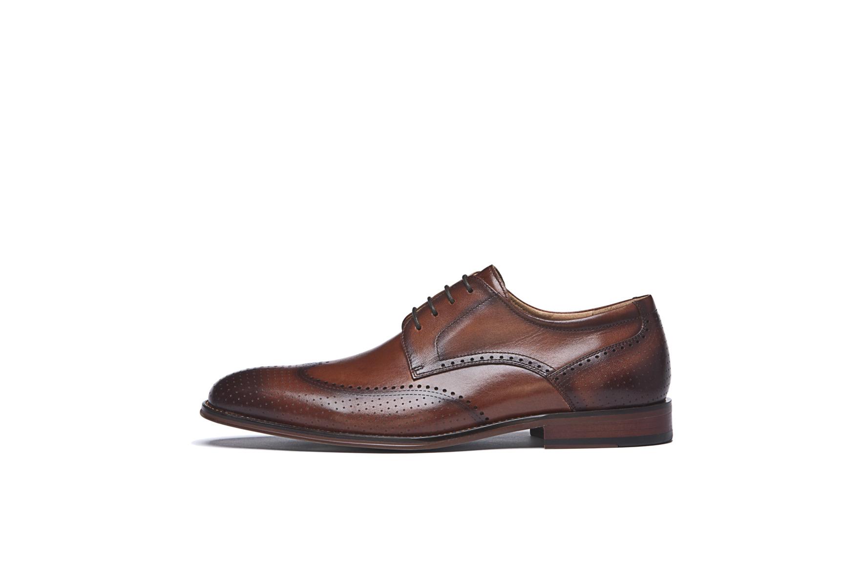 Modische Schuhe für den Bräutigam von Digel Modell SELLENG in congnac braun mit Ziernähten
