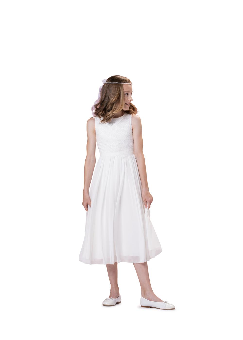 Schlichtes Kommunionkleid von Biancorella - Modell 520033. Schlichtes und dennoch elegantes Kleid mit rundem Ausschnitt ohne Ärmel.