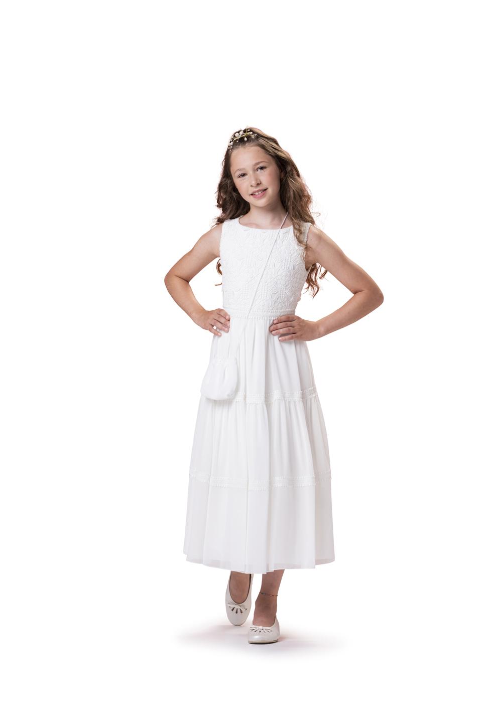 Vintage Kommunionkleid von Biancorella - Modell 520070. 7/8 langes Kleid im Vintage Look. Hochwertig verarbeitete Spitze am Oberteil kombiniert mit einem leichtem Stufenrock. Absolut trendig.