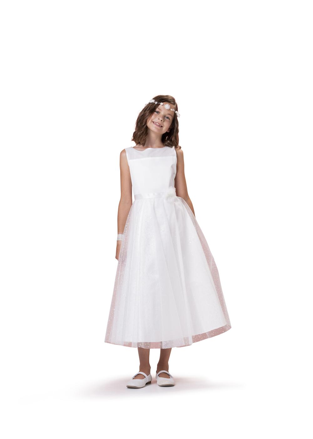 Kommunionkleid von Biancorella - Modell 554910. Modernes Prinzessinnenkleid mit Tüllrock schlichtem Oberteil.